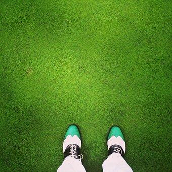 ゴルフシューズを見極めよう。タイプ毎の特徴とおすすめモデルの紹介!